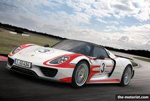Porsche 918 Spyder / Jetzt mit noch mehr Power - der Porsche 918 Spyder. Mehr erfahrt ihr hier: http://www.the-motorist.com/autonews/0045-porsche-schaerft-den-porsche-918-spyder.html