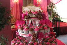 wedding cakes and wedding cup cakes