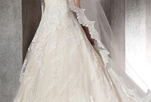 Princess Wedding Dresses / Two parallel seams that run vertically down the front of a gown, from bodice to hem, creating a slimmer, more elongated appearance.