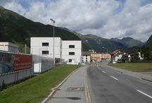 """Zernez - Olgiati / La sede del """"Parco Nazionale Svizzero"""" architettura realizzata dall'architetto svizzero Valerio Olgiati nel 2002"""