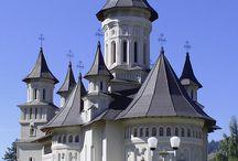 Manastiri si biserici romanesti