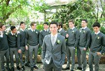 wedding: groomsmen posing
