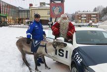 Poliisi , joulupukki ja poro