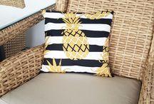 Poduszki ozdobne do ogrodu / Kolorowe ozdobne poduszki, które upiększą salon wypoczynkowy w ogrodzie. Wygodne i odporne na warunki atmosferyczne.