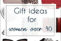 Gift ideas for women over 40 / Always wondering what to you to that gorgeous 40+ women? This is the board where I collect beautiful and practical gift ideas for women over 40