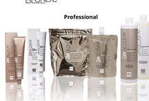 Alter Ego Be Blonde / Be Blonde De allereerste professionele range van kleur en producten die speciaal zijn ontwikkeld om aan alle behoeften van natuurlijk blond, gebleekt of lichter haar structuren te voldoen. De actieve ingrediënten in de BE BLONDE bereik, geselecteerd op hun herstructurering en diepe voedende eigenschappen garanderen een maximale helderheid.