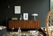 HOME - black walls / Examples of black painted walls in home decor
