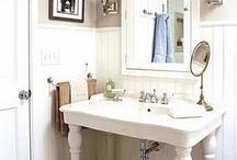 Bathroom / by Liz Cannon