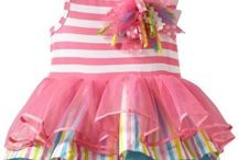 Cute Baby Costumes / Babies are cute, are they? And they're even more cute when dressed in adorable costumes...