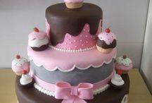 Mooie taarten met piepschuimvulling