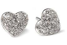 Style - Jewellery / by Nisha Ranu