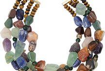 Collar de piedras preciosas
