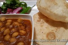 Chhole bhature / Chickpeas curry with fried naan