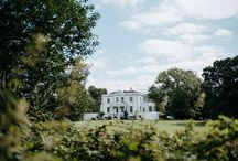 Belair House Wedding in Dulwich, London / A beautiful, laid-back summer wedding at West Dulwich wedding venue Belair House. So many pretty details - a Cymbeline dress, milk bottles with wildflowers, gilded mirrors and eucalyptus and gorgeous early evening portraits