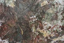 """Exhibition """"INGIBERG MAGNUSSON"""" / As cores neutras e a estreita relação entre linhas e manchas nos trabalhos do artista islandês Ingiberg Magnusson revelam um universo com temporalidade própria. Luz e sombra interagem contrapondo-se, ora como forma de agregação, ora como símbolo de descontinuidade. O percurso da linha, espontâneo e livre de compromissos com formas preestabelecidas, confirma a individualidade do artista e revela sua poesia (José Roberto Moreira, curador e galerista). Ingiberg Magnusson vive trabalha na Islândia."""