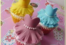 Cupcakes  / elegant and beautiful cupcakes!