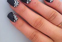 black&white nails!