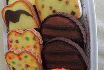 crochet cakes, biscuits,pies etc
