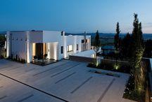 Pflasterstein NUEVA / Entdecken Sie die neue Gestaltungslinie NUEVA und gestalten Sie Wege und Plätze rund um Haus und Garten aus einem Guss: NUEVA Platte, NUEVA Pflaster, NUEVA Stufe, NOVOLINE Stufe, NOVOLINE Mauer