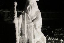 Snow Sculptures - The Lord of the Rings / The Lord of the Rings: The Fellowship of the Ring. Gandalf, Gimli molded from snow.