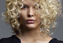 coupe cheveux bouclee