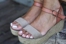 Flat form Sandals: Current Crush