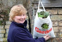 Easy Peasy Gardening / Gardening doesn't have to be difficult. Lots of tips, advice and demonstrations from the KG team.
