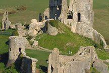 Ruïnes - Kastelen / Dit bord gaat over ruïnes van kastelen