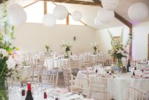 English Country Wedding in Cornwall / Photos from typically English country weddings at a beautiful venue in Cornwall, Bude