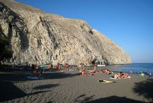 Santorini Beaches / The beaches of Santorini Island, Greece  #santorini #beach #cyclades #greece #greekilslands