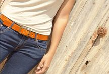 · Unisex belts / Cinturones unisex de cuero de vaca de curtición vegetal de alta calidad de origen Europeo (libre de cromo). Cuero de color marrón girasole y negro. Hebilla efecto envejecido. Tallas disponibles: 80 / 90 / 100 (otras medidas, contactarnos)