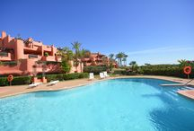 8 GREAT POOLS IN MARBELLA / 8 great pools in diferent residential apartments for sale in Marbella.