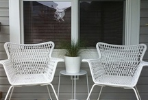 Outdoor living / Seasonal porch decor
