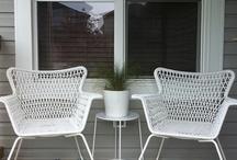 Outdoor living / Seasonal porch decor