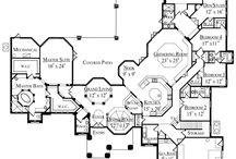 Floor plans / by Kaci Phillips