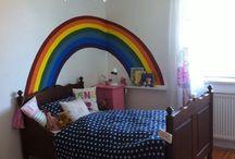 kinderzimmer / Kinderzimmer mit Regenbogen