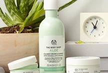 Aloe Vera Skincare / Our Aloe range gives extra gentle care to sensitive skin. It contains no added fragrance, color or preservatives, just lashings of fresh Community Trade organic aloe vera from Guatemala.
