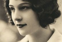 1920's hair / Popular hairstyles and hair accessories of the 1920's