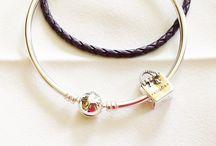 nasreen / Pandora gold bangle