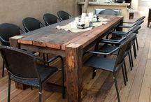 stôl na terasu
