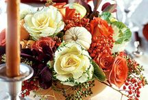 Thanksgiving Centerpiece Ideas / Add fall flavor to your Thanksgiving table with elegant yet easy-to-make Thanksgiving centerpiece ideas. From natural elements to candle displays, these centerpieces will be a highlight on your holiday table.