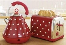 Red polka dot / rood met witte stippen