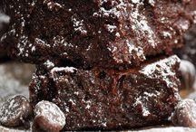 Brownies and Blondies / Brownie recipes   blondie recipes   chocolate brownies   dark chocolate brownies