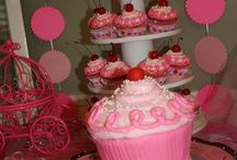 Birthday Cakes & More / by Jenica Schroeder