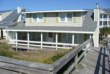 Oceanfront Cottages / Rejuvenate yourself in one of our charming oceanfront homes with easy beach access.