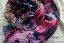 sjaals, scarfs.
