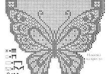 centri uncinetto con  farfalle