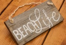 Trending Beach Decor / All the latest beach décor, including wooden signs and rustic accents