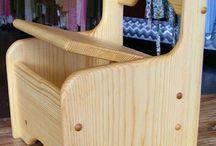 Dřevěné křeslo