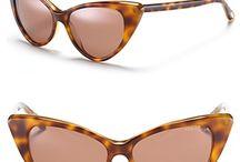 glasses  , silmälaseja